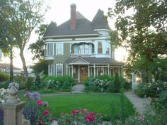 File: Victorian Historical House