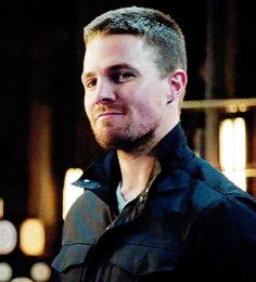 Gotta love it when Oliver really smiles. | Arrow 3x08 part two for land mines moment