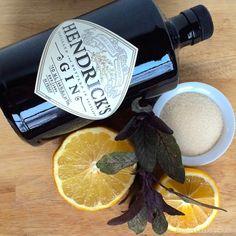 Sage Brush Cocktail: sage, grapefruit juice, lemon, sugar, gin | NW Edible