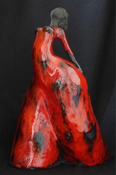 Sculpture Clay, Abstract Sculpture, Ceramic Texture, Raku Pottery, Ceramic Figures, Celtic Art, Pottery Designs, Handmade Pottery, Clay Art