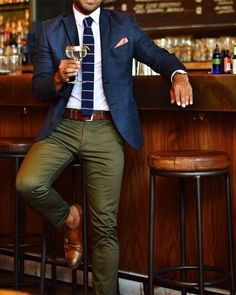 Blazer outfits men - 45 Brilliant Men's Color Combinations Outfit for Winter Blazer Outfits Men, Casual Outfits, Blue Blazer Outfit Men, Navy Blazer Men, Green Blazer Mens, Chinos And Blazer Men, Work Outfit Men, Green Pants Outfit, Tan Chinos