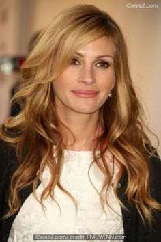 25 Light brown hair color and balayage ideas  Light Brown Hair color is very much in vogue in so in this article we offer you useful information about which nuances are most up-to-dat. Blonde Hair Designs, Julia Roberts Hair, Celebrity Haircuts, Celebrity Babies, Hair Color Caramel, Honey Blonde Hair, Fancy Hairstyles, Strawberry Blonde, Light Brown Hair