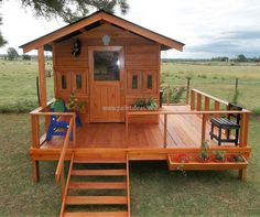 The door of the cabin also contains the glass, the decoration with the planters and the furniture is adding grace to the idea and the area as well. This idea requires a few days for completion because it is not small. The pallets can be painted with any color according to the demand, like if it is for the kids; then funky colors can be used.