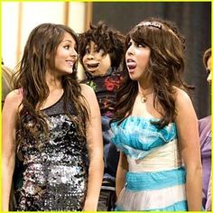 The first VICTORIOUS episode Trina's swollen tounge Tori is going to sing for the firs time at HWA