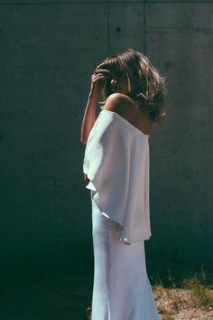 Sculpted Silk for Minimalists at Heart / Lola Varma
