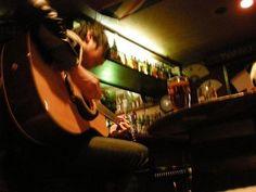 [Champagne]川上洋平2009/1/19 大正ロマンと不機嫌な亀 遅れましたが  1月15日の渋谷AUBEでライブでした  来てくれた人ありがとう  ピンキーのSEIXOちゃんとMikiちゃんが遊びに来てくれました  皆あけましておめでとうだったねー Concert, Dawn, Concerts