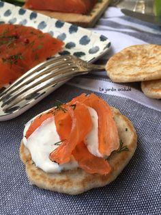 Saumon gravlax - saumon cru mariné à la suédoise. - LE JARDIN ACIDULÉ Caprese Salad, Entrees, Dire, Breakfast, Comme, Recipes, Alternative, Easy Cooking, Salmon
