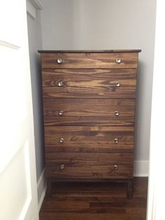 Minwax Dark Walnut Stain - love the variation in this example
