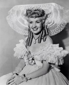 BLONDE CURLS & A SMILE - Betty Grable
