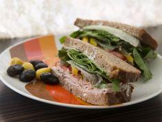 סנדוויצ'ים של דייבוצ'קה: סנדוויץ' פסטרמה אלופים, סנדוויץ' גבינה צהובה משודרג, סנדוויץ' טונה, סנדוויץ' ביצה קשה עם טחינה, סנדוויץ' חביתה וסנדוויץ' טחינה ואבוקדו טבעוני