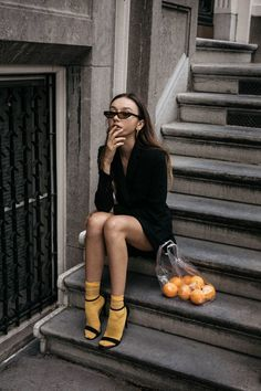 Balenciaga 2017 inspired outfit matrix sunglasses and bright yellow socks with strappy sandal and plastic bag with oranges conceptual editorial Inspiration Photoshoot, Mode Inspiration, Foto Fashion, High Fashion, Womens Fashion, Style Fashion, Photography Poses, Fashion Photography, Yellow Socks