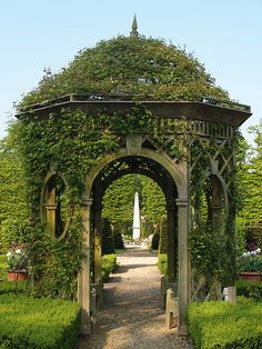 Bannerman gazebo (serving as the portal or South Gate into the City of Atlantis at the source of Harbor Boulevard)