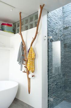 Private room, Denmark Stylish towel rail - Home Decor Ideas Chalet Design, House Design, Interior Decorating, Interior Design, Decorating Ideas, Towel Rail, Towel Holder, Diy Furniture, Diy Home Decor