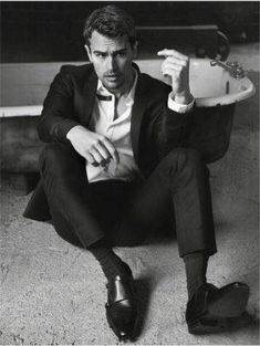 A collection of sexy photos and a fun facts about actor Theo James of the Divergent series, Golden Boy, and Bedlam. Tobias, Divergent Theo James, Divergent Fandom, Divergent Series, Theodore James, David James, Kellin Quinn, Raining Men, Hot Actors