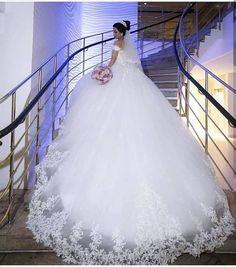 Seba Brautkleider - Bakirkoy Istanbul- Seba Brautkleider - Bakirkoy Istanbul- don't even like dresses but damn - Мир идей 90 vestidos de novia corte . Fluffy Wedding Dress, Puffy Wedding Dresses, Wedding Dress Chiffon, Dream Wedding Dresses, Bridal Dresses, Wedding Gowns, Wedding Dress Cinderella, Princess Wedding Dresses, Ball Dresses