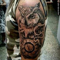 """Great tattoo ..!!    @tus_trazos -  Les presentamos el trabajo impecable de  @pierrebranchet en el 1/3 de sus #TresTrazos. Desde ya les invitamos a ver más de su fabulosa galería de creaciones. """"Pieza done. Hecho con maquina: @bishoprotary y tintas: @intenzetattooink @electricink  Esta es una de mis piezas favoritas ya que une dos de las cosa que me guata hacer a la hora de trabajar tatuar animales es una de las cosas que mas me gusta hacer ya que con las diferentes texturas me gusta ir…"""