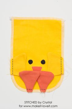 Sew a drawstring chick treat bag, perfect for filling with Easter treats! This is a quick and easy sewing project that would make a great addition to your kids Easter baskets! Easy Sewing Projects, Sewing Crafts, Easter Bunny Decorations, Easter Centerpiece, Easter Decor, Bunny Bags, Scrap Busters, Diy Ostern, Easter Crafts For Kids