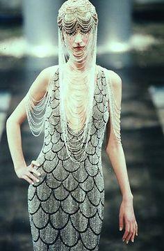 1998 - Alexander McQueen 4 Givenchy Couture show - Esther de Jong