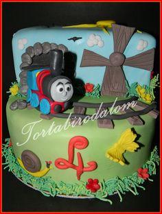 Emeletes Thomas torta / 2 tier Thomas cake / Sodor cake