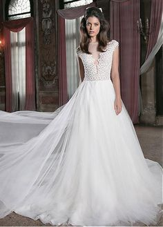 Graceful Lace & Tulle Bateau Neckline A-line Wedding Dresses With Beadings