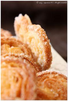 Palmitos maison Pour une 20 aine de palmitos :– une pâte feuilletée – sucre en poudre
