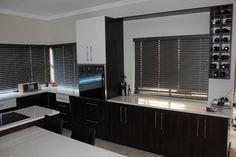 Soporte abatible sistema armado con perfil de aluminio 100 for Affordable kitchens gauteng