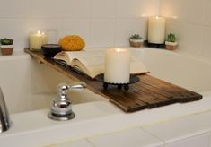 Soak in the bathtub in style, surrounded by all your comforts. This bathtub tray can hold candles, wine, coffee, your book or e-reader, flowers,
