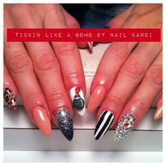 Bomb nails - love!