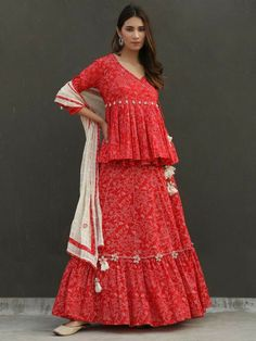 Designer Party Wear Dresses, Kurti Designs Party Wear, Lehenga Designs, Indian Designer Outfits, Bandhani Dress, Lehnga Dress, Lehenga Choli, Sharara, Salwar Kameez