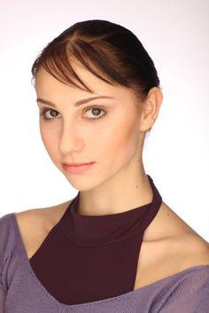 Oksana Skorik Australian Ballet, Grace Beauty, Modern Dance, Ballerinas, Dancers, People, Inspiration, Biblical Inspiration, Ballet Flats
