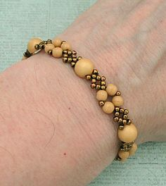 Linda's Crafty Inspirations: Bracelet of the Day: Diamond Chain - Ginger