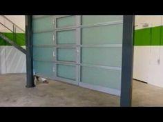 Nuevas #puertas #seccionales Spacelite HTU 40 de #AngelMir fabricadas en fibra de vidrio.  Son ideales para construcciones con pequeños dinteles. De bajo mantenimiento #door #sectionaldoor Doors, Fiber, Insulation, Glass, Bass, Gate