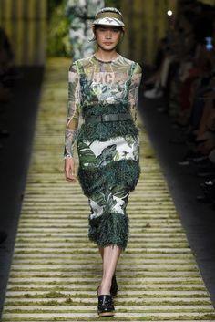 Maxmara Spring/Summer 2017 Ready-To-Wear Collection | British Vogue