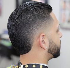 Get modeled after over forty excellent small haircuts in traditional very easy to use fated of men'sshort hair-styles. Mohawk Hairstyles Men, Classic Hairstyles, Black Hairstyles, Black Boys Haircuts, Haircuts For Men, Pelo Mohawk, Medium Hair Styles, Short Hair Styles, Professional Hairstyles For Men