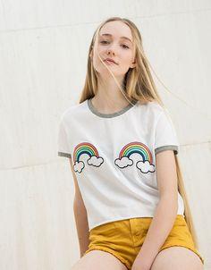 Camiseta parches Unicorns/Bananas/Rainbows. Descubre ésta y muchas otras prendas en Bershka con nuevos productos cada semana