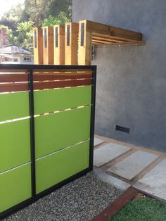 hardie board Modern Fence, Modern Backyard, Backyard Fences, Fenced In Yard, Hardie Board Siding, Wall Exterior, Exterior Siding, Exterior Design, Garage Addition