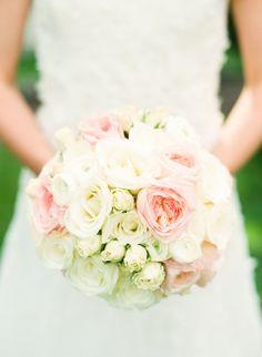 #springwedding #weddingbouquet #aprilbride #pinkandwhiteflowers