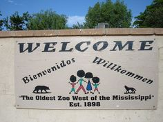 Welcome sign at entrance of Alameda Park Zoo in Alamogordo, New Mexico