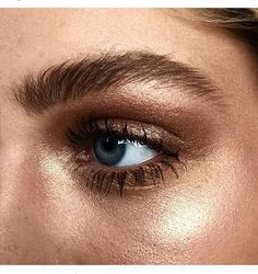 Dewy makeup and shimmer eyebrows and eyeshadow. Dewy makeup and shimmer eyebrows and eyeshadow. Beauty Make-up, Beauty Hacks, Hair Beauty, Beauty Trends, Beauty Skin, Glamour Beauty, Beauty Care, Beauty Tips, Natural Eyes