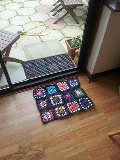 How to Make Plarn - Plastic Yarn Tutorial