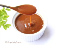 Sos de caramel - Desert De Casa - Maria Popa Creme Caramel, Macarons, Candies, Creme Brulee, Macaroons