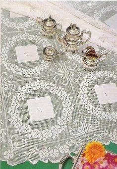 Victoria - Handmade Creations : Το πανέμορφο δαντελένιο καρέ