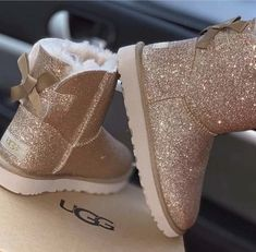 Uploaded by Rorie. Find images and videos about cute, boots and uggs on We Heart It - the app to get lost in what you love. Ugg Style Boots, Ugg Boots, Bootie Boots, Shoe Boots, Jordan Shoes Girls, Girls Shoes, Baby Girl Shoes, Cute Uggs, Fluffy Shoes