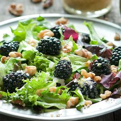 This refreshing blackberry salad with walnuts has a delicious ginger-lime vinaigrette. So delicious, do nutritious.