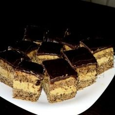 Mákos bejgli szelet Hungarian Desserts, Hungarian Recipes, Diabetic Recipes, Diet Recipes, Dessert Recipes, Tiramisu, Poppy Cake, Confectionery, Food To Make
