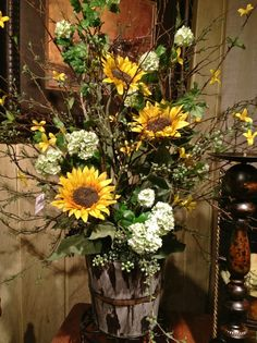 Sunflower with berry arrangement Fall Floral Arrangements, Dried Flower Arrangements, Beautiful Flower Arrangements, Floral Centerpieces, Flower Vases, Wedding Centerpieces, Church Flowers, Fall Flowers, Pretty Flowers