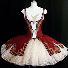 Girls Dance Costumes, Theatre Costumes, Ballet Costumes, Dance Outfits, Princesa Tutu, Tutu Ballet, La Bayadere, Red Tutu, Ballet Performances