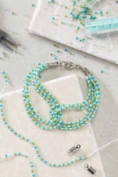 Make a beautiful, summery beaded bracelet with gorgeous Toho beads! Toho from Japan are tiny, perfectly cylindrical glass beads. Make this cute bracelet for yourself or for a friend! Cute Bracelets, Beaded Bracelets, Jewellery Diy, Summer Jewelry, Turquoise Necklace, Glass Beads, Japan, Pretty, How To Make