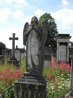 Angel Statue in Welford Road Cemetery, Leicester