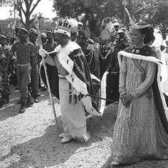 Actu : Bokassa sautoproclame empereur lors dun remake du sacre de Napoléon